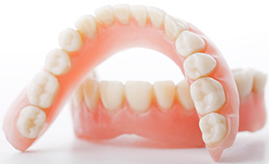 Phoenix family dentist |dentures, missing teeth, repair | Dr. Jakobsen